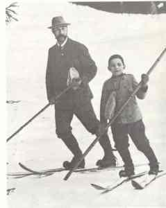 """Skijaski stil """"gondolijer"""" sa jednim stapom."""