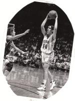 Clanica reprezentacije Univerzitete Kolorada, USA 1994.godine, kasnije trener.