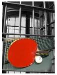 stoni tenis iza resetaka