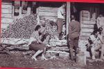 Na ovom fotosu pred brvnarom Vilenica, gdje smo se sreli sa Dragom i Terom Entraut,  (?) a ledjima je okrenut Miro Vobornik dok su na desnoj strani Damir Zivojevic,  Slavica Prapotnik i Minkica Veskovic.