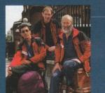 """25.april 1985. - Britanac Chris Bonington, star 50 godina i 258 dana, najstariji osvajac vrha, drzao je ovaj rekord samo 10 dana. On je takodje, prvi prosao nekim novim i mnogo tezim rutama a ovog puta je izabrao """"lagani"""" Juzno-Istocnu Ridge Route. Prirodno miran-hladnokrvan i svijestan svega, pisao je iz baznog kampa svom prijatelju planinaru Jimu Curran-u  """" Jedva cekam da se vratim u Avon Gorgei bavim se """"normalnim"""" planinarenjem""""."""