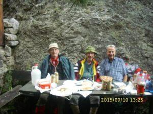 Bato (prvi s lijeva),